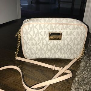 Michael kors authentic crossbody